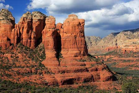 red rocks of sedona red rocks buttes hiking trails vortex spots